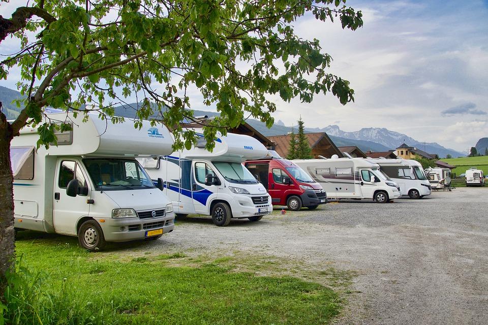 Wohnwagen, Campingbus, Kastenwagen, Alkhoven, Teilintegrierte, Vollintegrierte oder Luxus Liner.